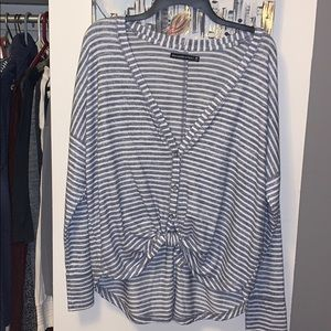 Abercrombie Blue triped tee